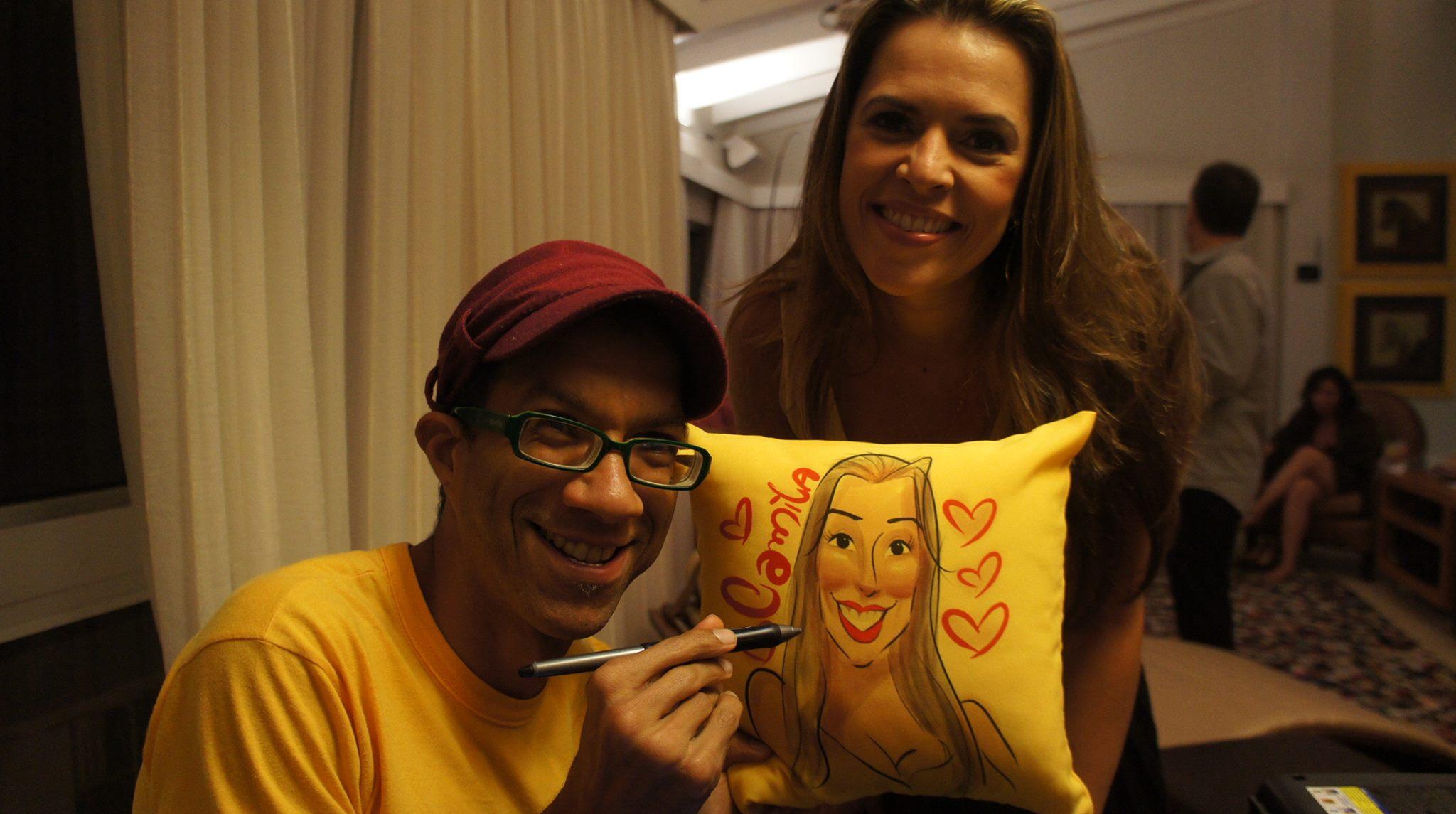 Caricaturas ao vivo em almofadas no Rio de Janeiro