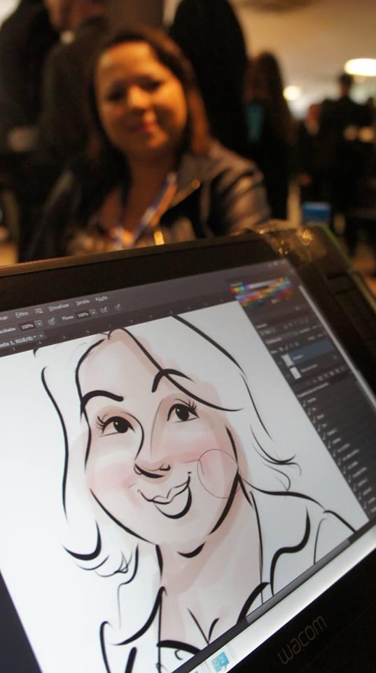 Caricaturas ao vivo em canecas ontem no Novo Hotel